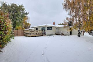 Photo 1: 75 FAIRVIEW Crescent SE in Calgary: Fairview Detached for sale : MLS®# A1057690