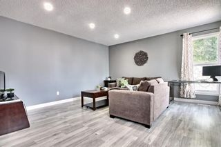 Photo 2:  in Calgary: Edgemont Detached for sale : MLS®# A1126277