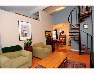 Photo 3: 303 853 E 7TH Avenue in Vancouver: Mount Pleasant VE Condo for sale (Vancouver East)  : MLS®# V797245