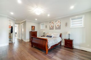 """Photo 18: 1551 ARCHIBALD Road: White Rock House for sale in """"West White Rock"""" (South Surrey White Rock)  : MLS®# R2584114"""