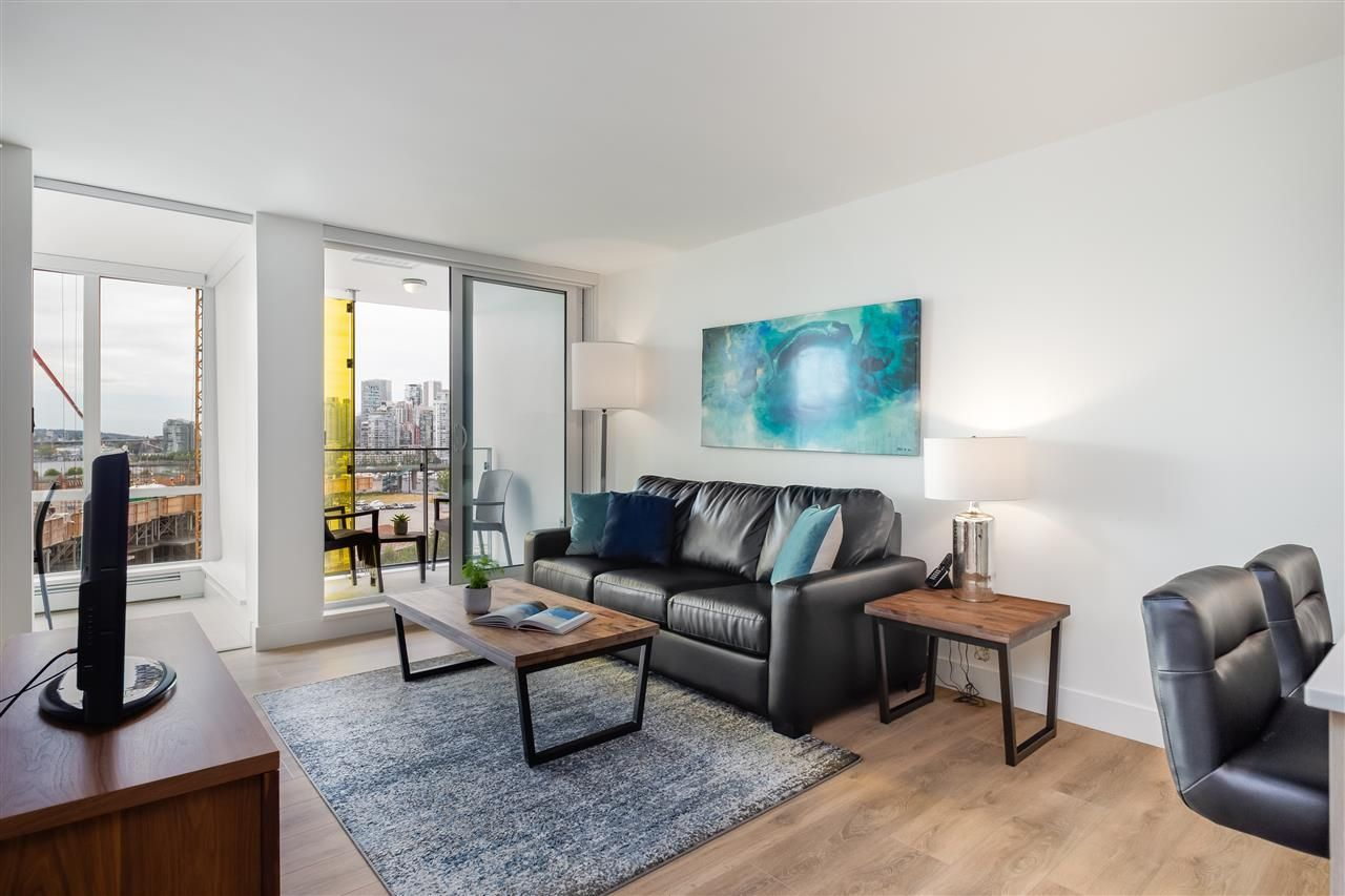 Main Photo: 1201 1718 Columbia St in Vancouver West: False Creek Condo for sale : MLS®# R2386396