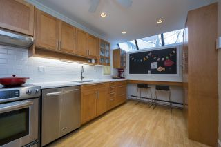 """Photo 9: 3408 WEYMOOR Place in Vancouver: Champlain Heights Townhouse for sale in """"Moorpark"""" (Vancouver East)  : MLS®# R2559017"""
