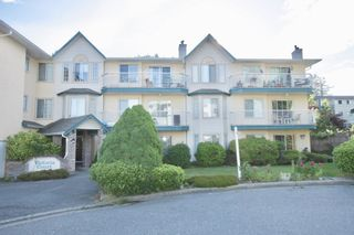 Photo 2: 307 2567 Victoria Street in Abbotsford: Abbotsford West Condo for sale : MLS®# R2590327