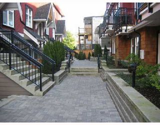 """Photo 3: 2268 ST GEORGE Street in Vancouver: Mount Pleasant VE Townhouse for sale in """"THE VANTAGE"""" (Vancouver East)  : MLS®# V691116"""