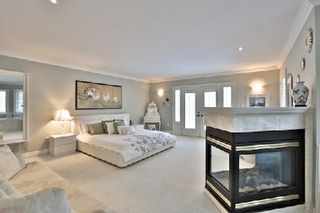 Photo 6: 956 Halsham Court in Mississauga: Clarkson House (2-Storey) for sale : MLS®# W2826365