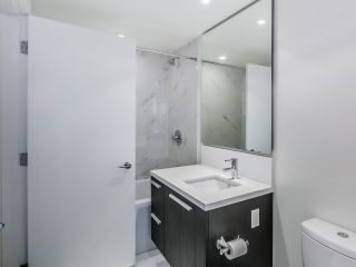 """Photo 5: 1501 6333 SILVER Avenue in Burnaby: Metrotown Condo for sale in """"SILVER"""" (Burnaby South)  : MLS®# R2011210"""