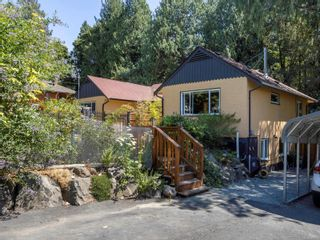 Photo 3: 1013 Sluggett Rd in : CS Brentwood Bay House for sale (Central Saanich)  : MLS®# 882753