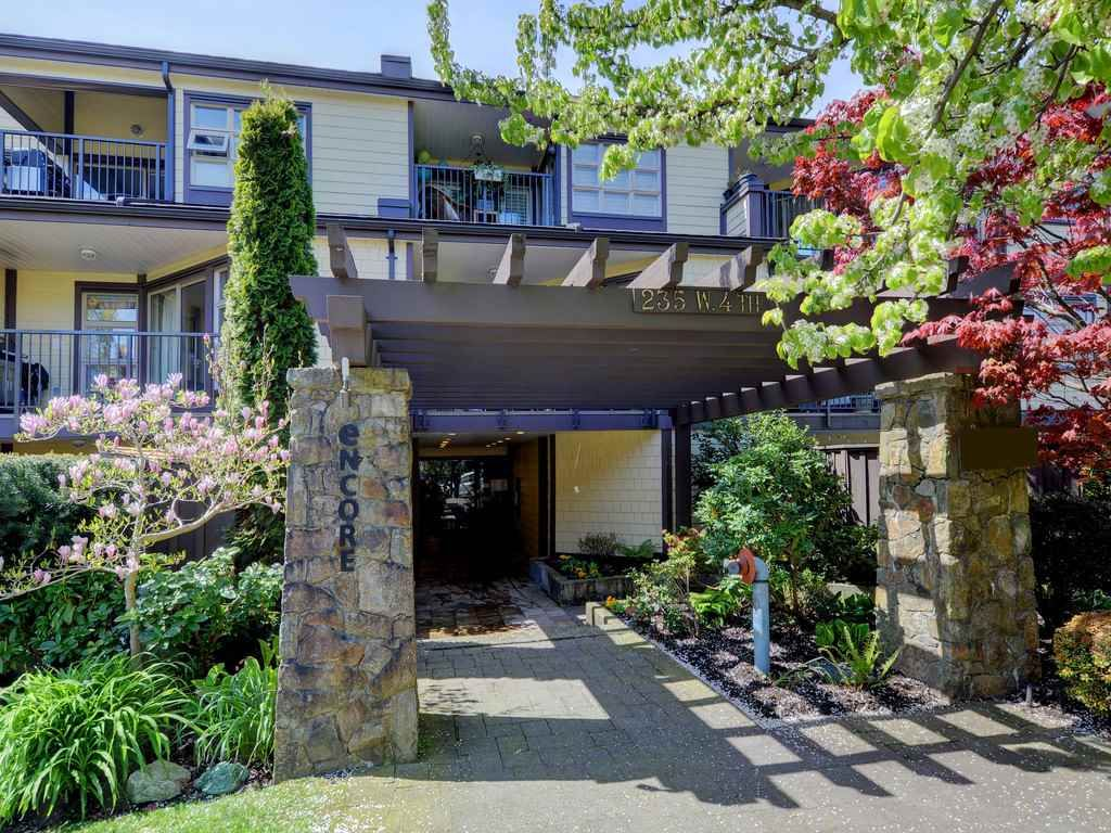 Photo 1: Photos: 212 235 W 4TH STREET in North Vancouver: Lower Lonsdale Condo for sale : MLS®# R2161067