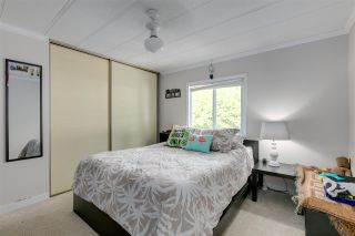 """Photo 10: 326 1840 160 Street in Surrey: King George Corridor Manufactured Home for sale in """"BREAKAWAY BAYS"""" (South Surrey White Rock)  : MLS®# R2489380"""