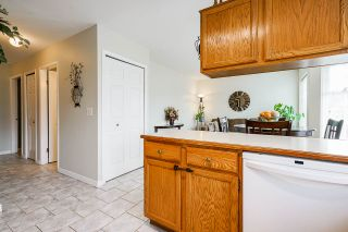 """Photo 18: 7 5760 174 Street in Surrey: Cloverdale BC Townhouse for sale in """"Stetson Village"""" (Cloverdale)  : MLS®# R2559810"""