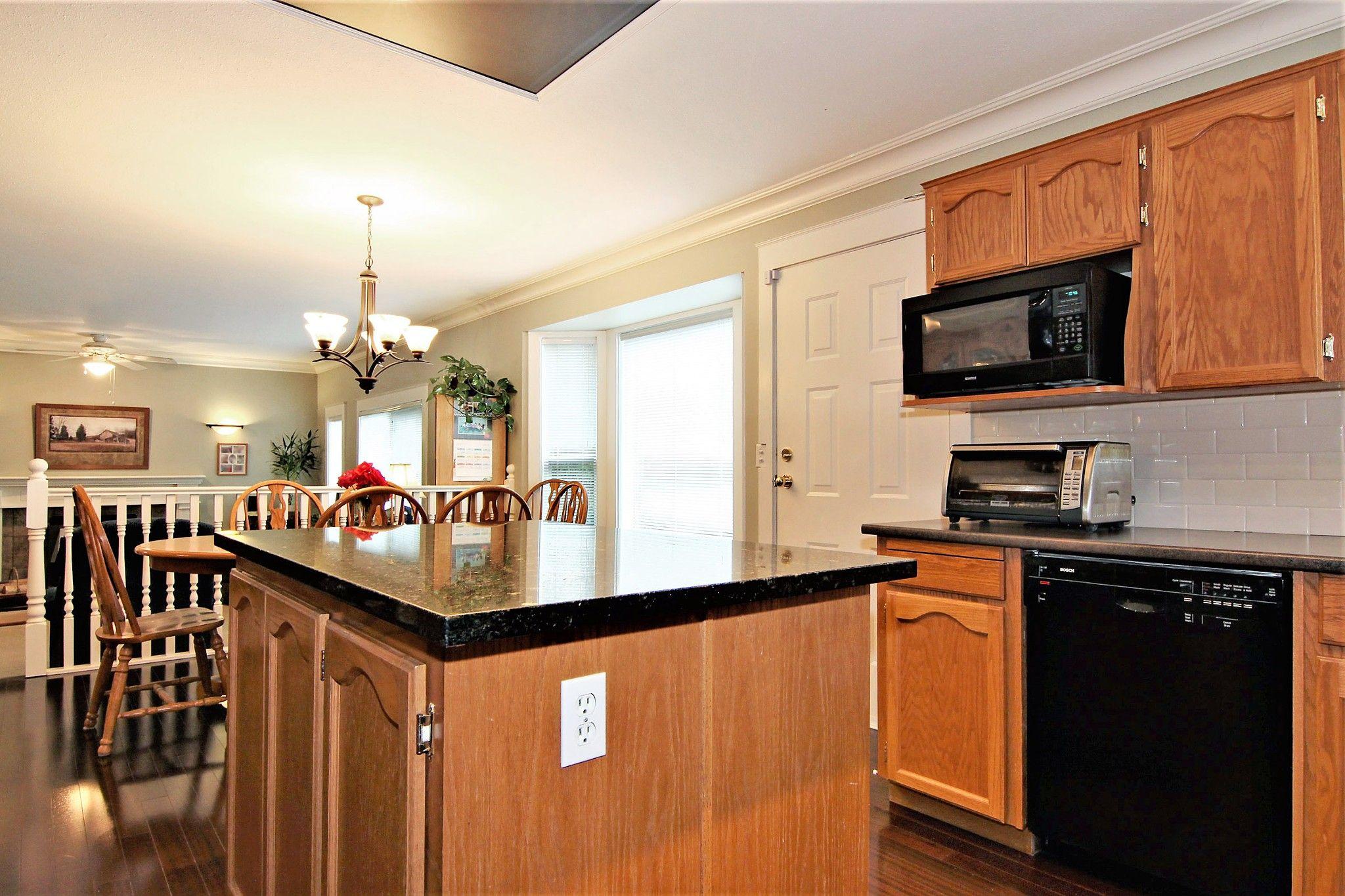 Photo 6: Photos: 2946 CARDINAL Place in Abbotsford: Abbotsford West House for sale : MLS®# R2384404