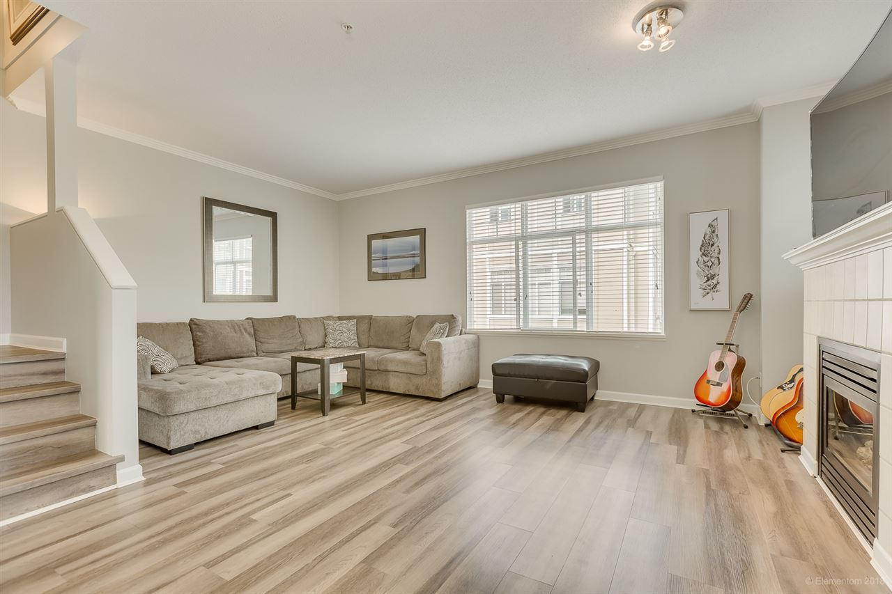 """Photo 4: Photos: 50 1010 EWEN Avenue in New Westminster: Queensborough Townhouse for sale in """"Windsor Mews"""" : MLS®# R2468809"""