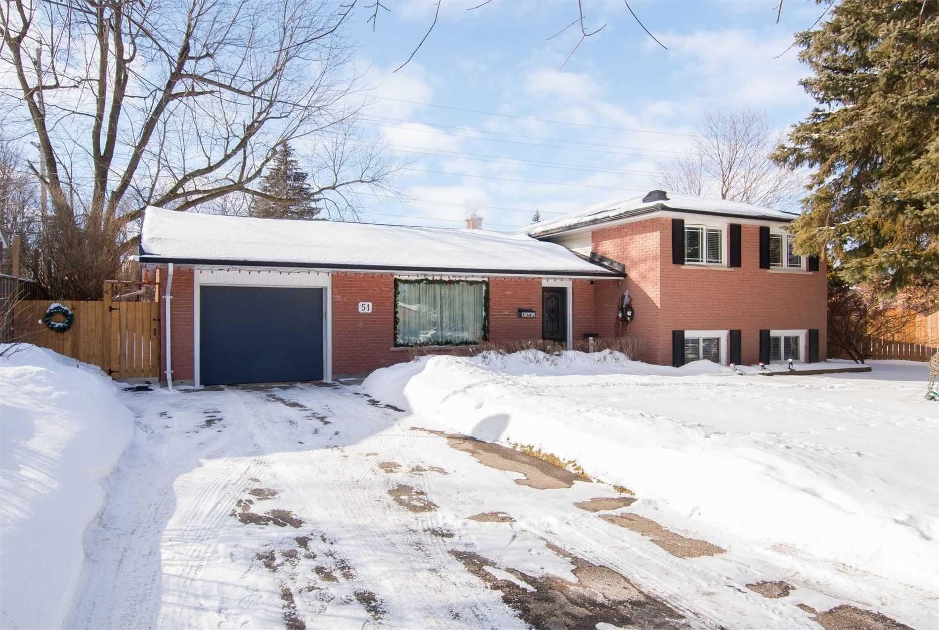 Main Photo: 51 Westdale Avenue: Orangeville House (Sidesplit 4) for sale : MLS®# W5101076