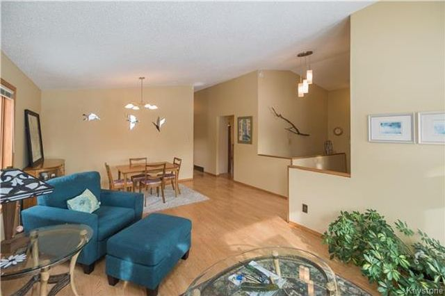 Photo 4: Photos: 67 Bethune Way in Winnipeg: Pulberry Residential for sale (2C)  : MLS®# 1803456