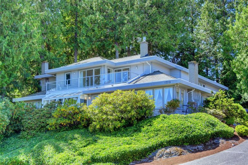 FEATURED LISTING: 1723 Mayneview Terr