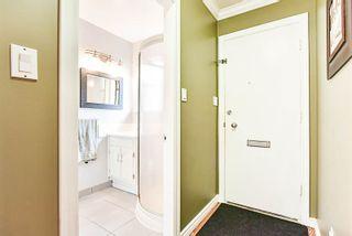 "Photo 2: 7374 CORONADO Drive in Burnaby: Montecito Townhouse for sale in ""CORONADO DRIVE"" (Burnaby North)  : MLS®# R2179158"