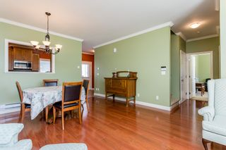 """Photo 4: 27 19219 67 Avenue in Surrey: Clayton Townhouse for sale in """"Balmoral"""" (Cloverdale)  : MLS®# R2059751"""