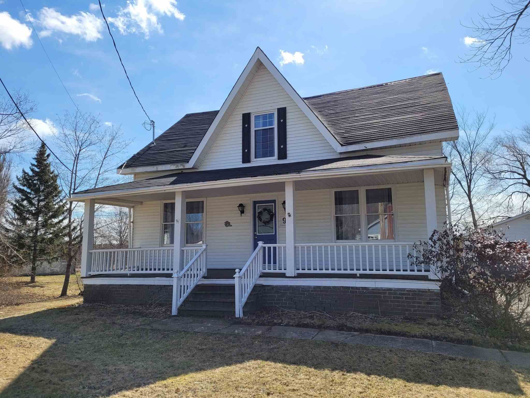 Main Photo: 94 Main Street in Middleton: 400-Annapolis County Residential for sale (Annapolis Valley)  : MLS®# 202106818