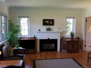 Photo 3: 2063 Kings Rd in VICTORIA: OB Henderson House for sale (Oak Bay)  : MLS®# 785216