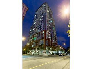 """Photo 1: 2502 550 TAYLOR Street in Vancouver: Downtown VW Condo for sale in """"THE TAYLOR"""" (Vancouver West)  : MLS®# V1071091"""