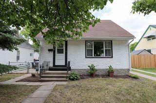 Photo 1: 438 Winterton Avenue in Winnipeg: East Kildonan Residential for sale (3A)  : MLS®# 202116655