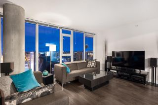 Photo 3: 805 2770 SOPHIA Street in Vancouver: Mount Pleasant VE Condo for sale (Vancouver East)  : MLS®# R2539112