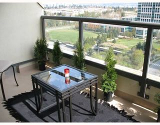 """Photo 7: 1805 6837 STATION HILL Drive in Burnaby: South Slope Condo for sale in """"THE CLARIDGES AT CITY IN THE PARK"""" (Burnaby South)  : MLS®# V703914"""