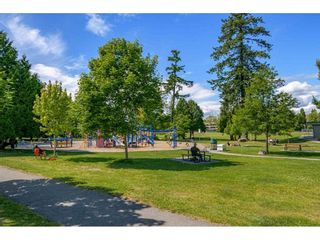"""Photo 33: 206 15338 18 Avenue in Surrey: King George Corridor Condo for sale in """"PARKVIEW GARDENS"""" (South Surrey White Rock)  : MLS®# R2592224"""