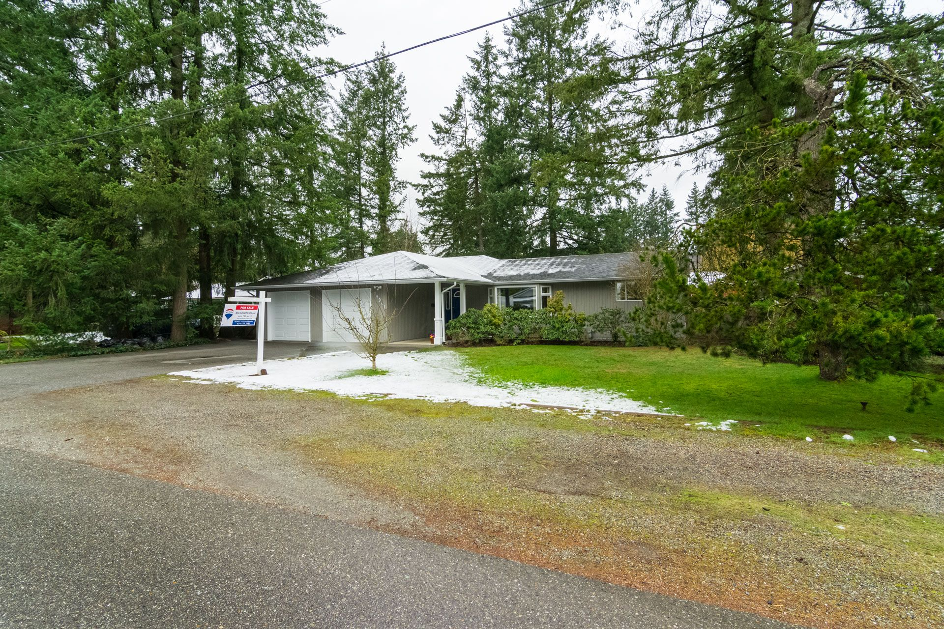 """Photo 4: Photos: 19941 37 Avenue in Langley: Brookswood Langley House for sale in """"Brookswood"""" : MLS®# R2240474"""