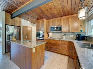 Photo 5: 628 KING Road in Gibsons: Gibsons & Area House for sale (Sunshine Coast)  : MLS®# R2596005