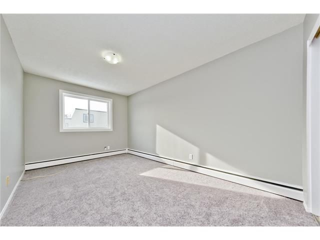 Photo 25: Photos: 118 3809 45 Street SW in Calgary: Glenbrook House for sale : MLS®# C4096404