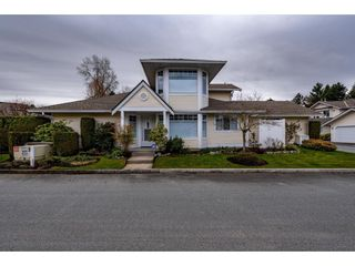 """Photo 1: 51 8737 212 Street in Langley: Walnut Grove Townhouse for sale in """"Chartwell Green"""" : MLS®# R2448561"""