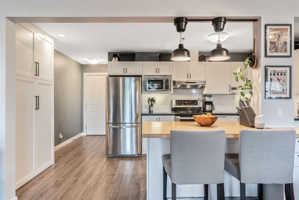 Main Photo: 212 649 Marsh Road NE in Calgary: Bridgeland/Riverside Apartment for sale : MLS®# A1119985