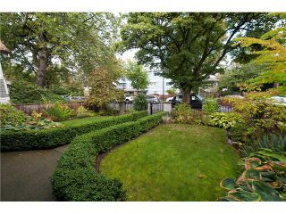 """Photo 19: 446 448 E 44TH Avenue in Vancouver: Fraser VE House for sale in """"Main Street"""" (Vancouver East)  : MLS®# V1088121"""