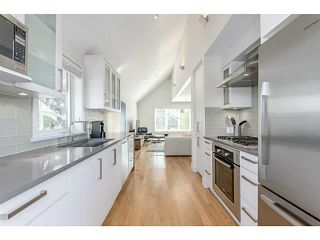 Photo 9: 339 W 15TH AV in Vancouver: Mount Pleasant VW Townhouse for sale (Vancouver West)  : MLS®# V1122110