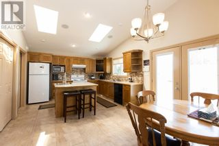 Photo 15: 332 15 Street N in Lethbridge: House for sale : MLS®# A1114555