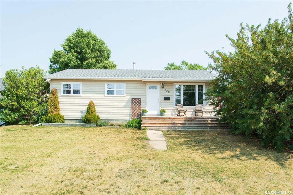 Main Photo: 140 Main Street East in Warman: Residential for sale : MLS®# SK864002