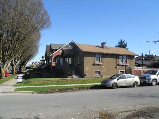 Photo 3: 2306 GRAVELEY ST in Vancouver: Grandview VE House for sale (Vancouver East)  : MLS®# V992637