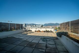 "Photo 17: 317 289 E 6TH Avenue in Vancouver: Mount Pleasant VE Condo for sale in ""SHINE"" (Vancouver East)  : MLS®# R2438872"
