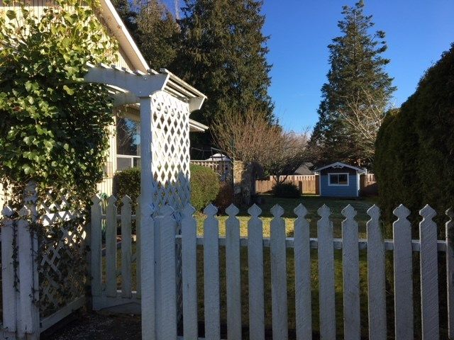 Photo 2: Photos: 186 GRANDVIEW HEIGHTS Road in Gibsons: Gibsons & Area House for sale (Sunshine Coast)  : MLS®# R2534023