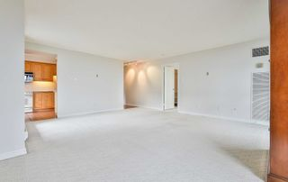 Photo 8: 1102 60 Inverlochy Boulevard in Markham: Royal Orchard Condo for sale : MLS®# N5402290