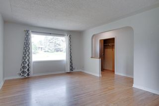 Photo 3: 2204 38 Street SW in Calgary: Glendale Detached for sale : MLS®# A1128360