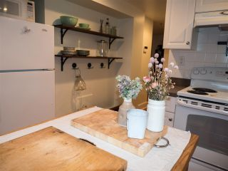 Photo 15: 650 W 20TH AVENUE in Vancouver: Cambie House for sale (Vancouver West)  : MLS®# R2198163