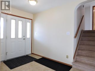 Photo 6: Beautifully maintained 4 bedroom home on the East end of Edson
