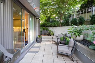 """Photo 2: 380 E 11TH Avenue in Vancouver: Mount Pleasant VE Townhouse for sale in """"UNO"""" (Vancouver East)  : MLS®# R2595479"""