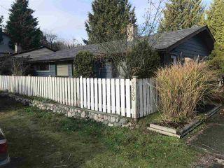 Photo 1: 5730 PEBBLES Crescent in Sechelt: Sechelt District House for sale (Sunshine Coast)  : MLS®# R2323525