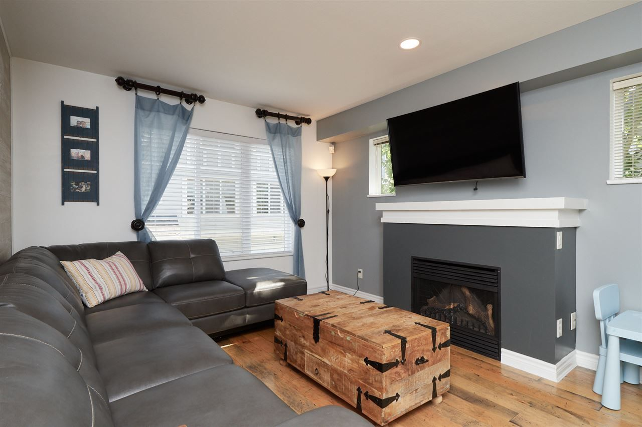 """Photo 4: Photos: 41 15175 62A Avenue in Surrey: Sullivan Station Townhouse for sale in """"Brooklands"""" : MLS®# R2310121"""