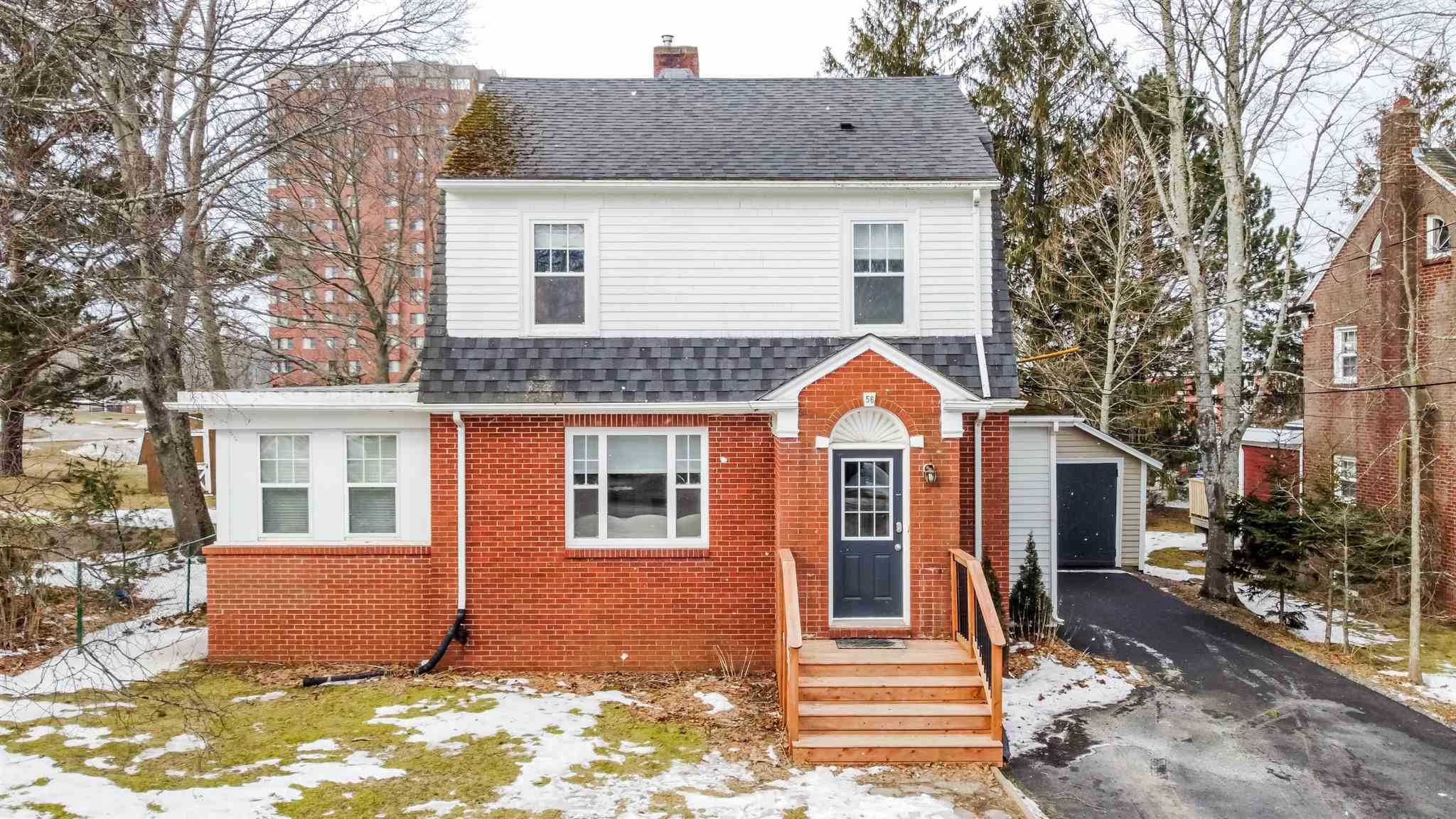 Main Photo: 56 Highland Avenue in Wolfville: 404-Kings County Residential for sale (Annapolis Valley)  : MLS®# 202104485