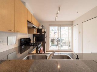 """Photo 10: 318 678 W 7TH Avenue in Vancouver: Fairview VW Townhouse for sale in """"LIBERTE"""" (Vancouver West)  : MLS®# R2575214"""