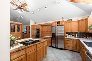Photo 14: 7776 KAYMAR Drive in Burnaby: Suncrest House for sale (Burnaby South)  : MLS®# R2599750